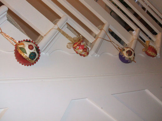 Hall baubles