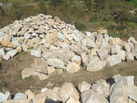 The unsorted stone pile
