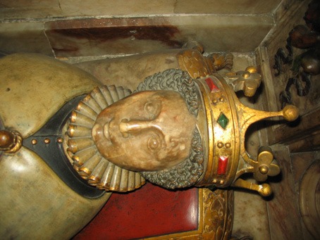 Detail of head and crown