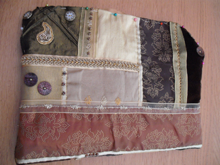The reverse of the bag