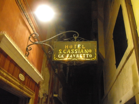 Italy 3 - hotel sign