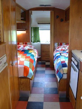 Glamping 8 - Overlander-single-beds
