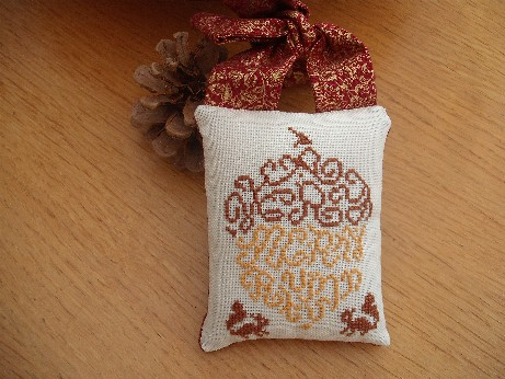 Autumn exchange - hanging pillow