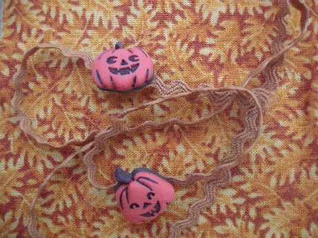 Autumn exchange - Karrie's buttons