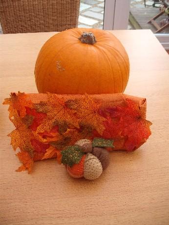 Autumn exchange -wrapping