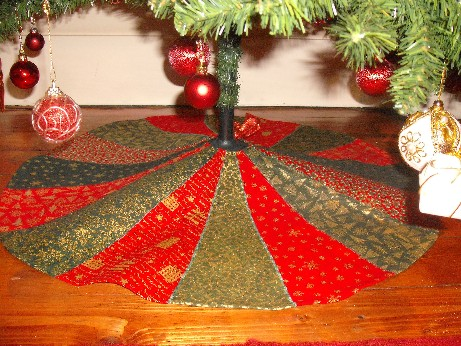 Tree skirt finished