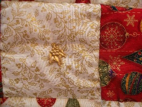 Xmas quilt hanging 2
