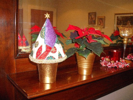 Xmas tree pots - multi