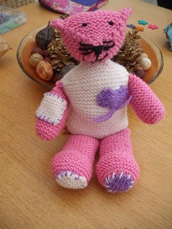 Ellen's knitted cat