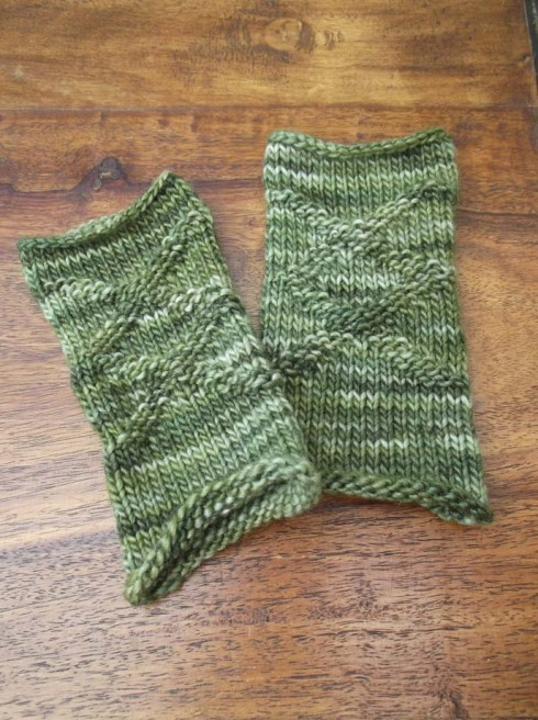 green wristwarmers 1