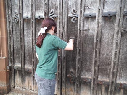 Powis - me - Ellie door