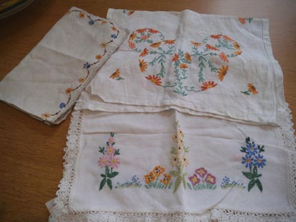 Vintage embroidery - Dec
