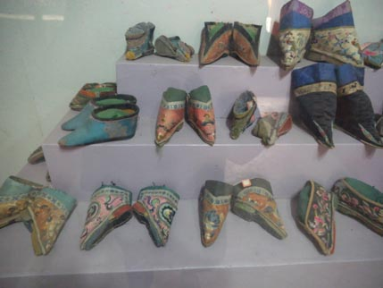 China Nationalities Museum Lotus feet shoes