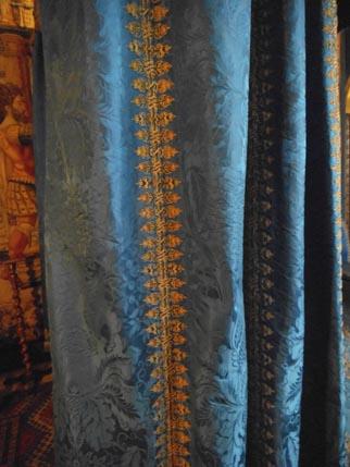 Hardwick - Blue silk bed