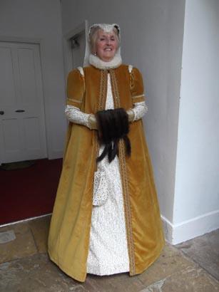 Hardwick - Costume 2