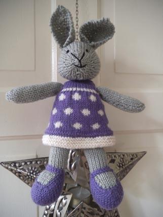 Bunny Knitting 3