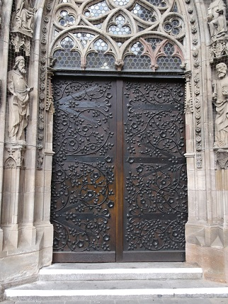 Bavaria 2014 Nuremburg church door 2