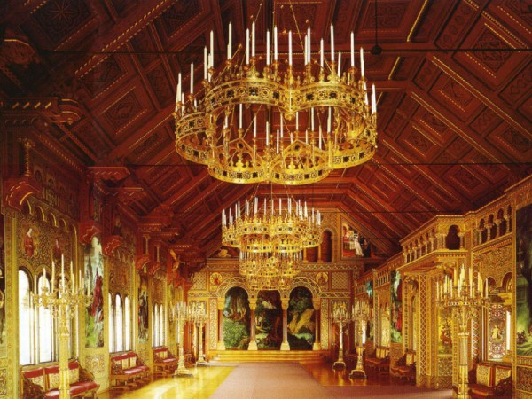 Neuschwanstein_Castle_Singers_Hall-600x450