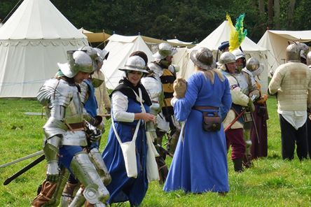 Hampton Court battle 3