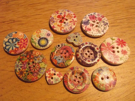Yarndale 18 big pretty buttons