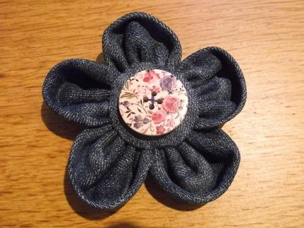 Yarndale 19 Denim flower