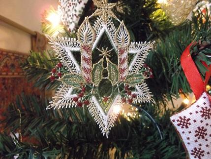 Xmas tree ornie 4