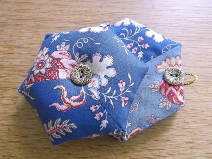 Hexi gift stitching 1