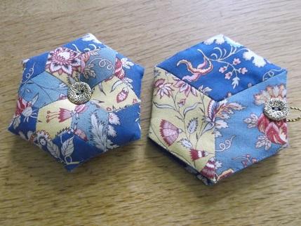 Hexi gift stitching 2