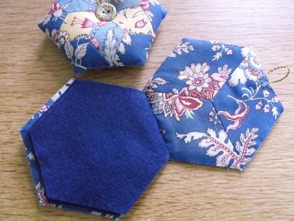 Hexi gift stitching 3