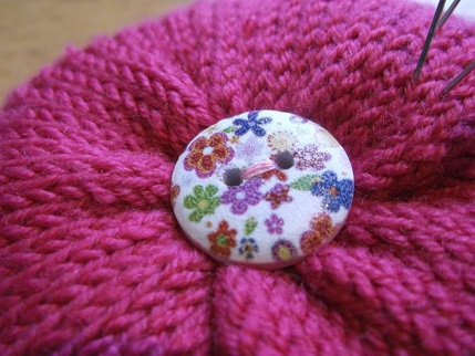 Knitting Pattern Pin Cushion : Cute as a button (on a knitted pincushion!)   Stitches of Time