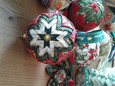 Quilted bauble