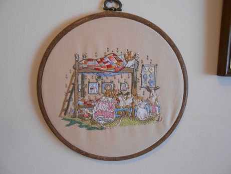 new sewing room -mouse embroidery 1