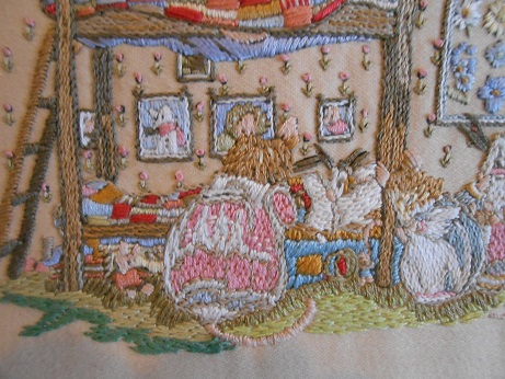 new sewing room -mouse embroidery 2
