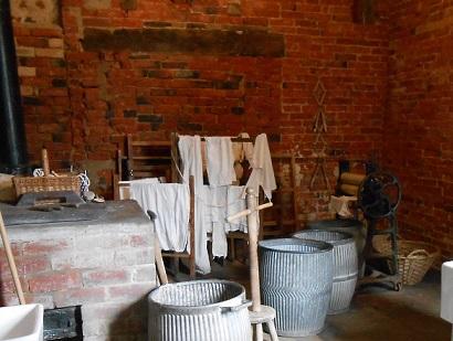 Downton costume - laundry