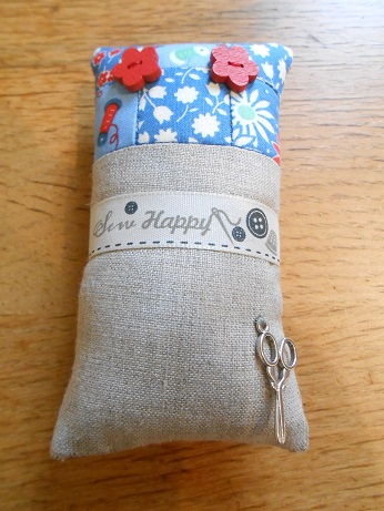 pincushions-sept-2016-blue-and-linen-1