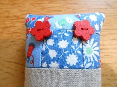 pincushions-sept-2016-blue-and-linen-2