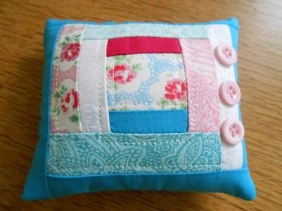 pincushions-sept-2016-blue-patchwork-1