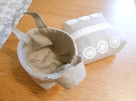 linen-and-lace-basket-and-pouch-1
