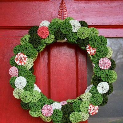 suffolk-puff-wreath