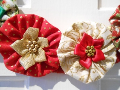 xmas-suffolk-puff-wreath-2