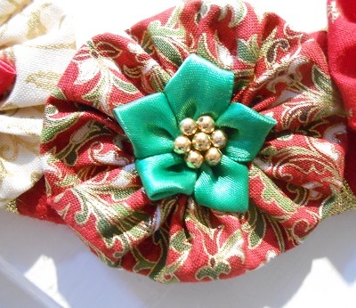 xmas-suffolk-puff-wreath-6