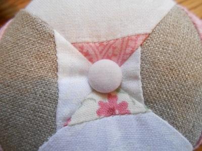 linen-pincushions-3
