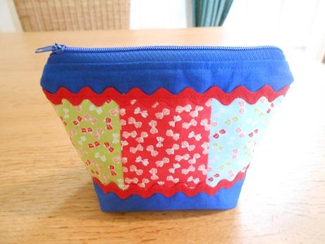 Blue linen pouch 1