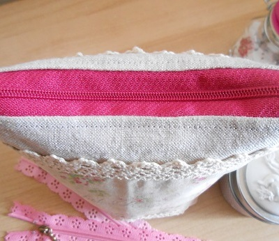 Make up bag - linen and floral 3