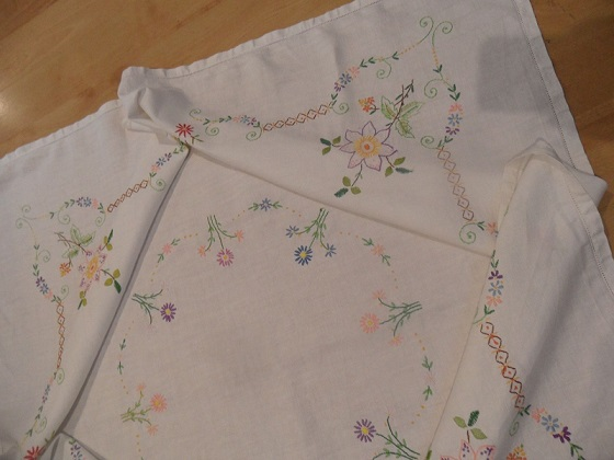 Ebay tablecloth 3