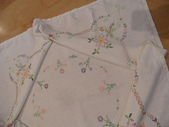 Ebay tablecloth 3