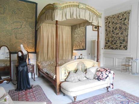 Nunnington -crewelwork bedroom