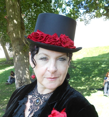 Steampunk Alison red hat