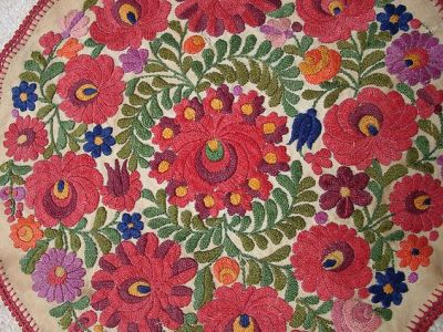 Hungarian embroidery 3