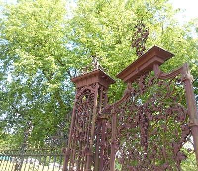 Thoresby gates 3